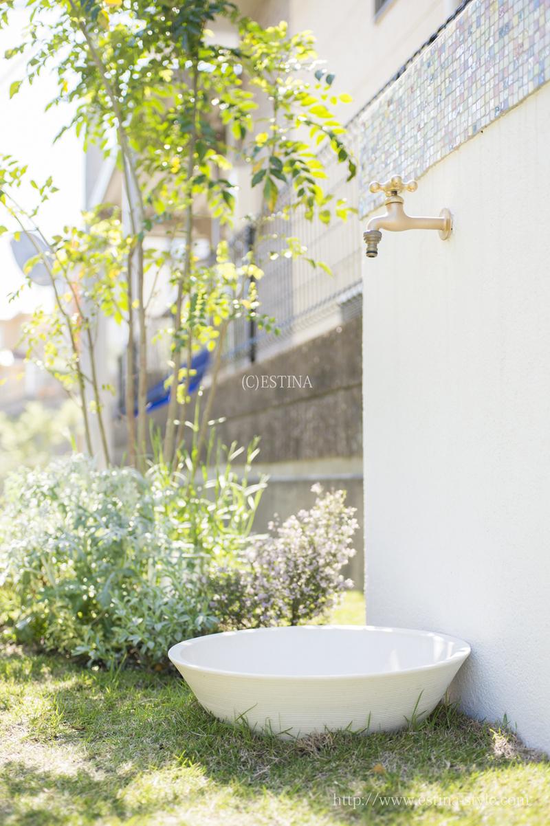 植物への水撒きがしやすいようにプラニング。夏場は子どものプール作りに大活躍。